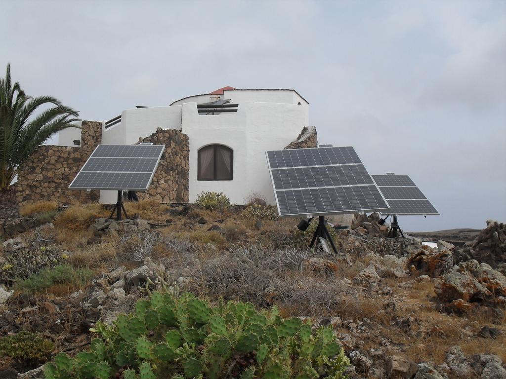 gehrlicher solar imagine the energy referenzen fuerteventura. Black Bedroom Furniture Sets. Home Design Ideas